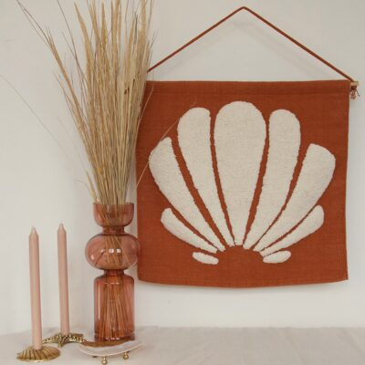 shell-tufted-wall-decoration