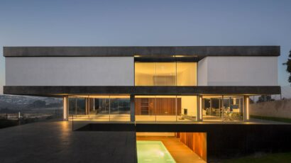 BE House by spaceworkers